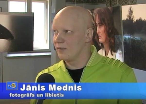 Jānis Mednis fotoizstāde Zaļš Balts Zils